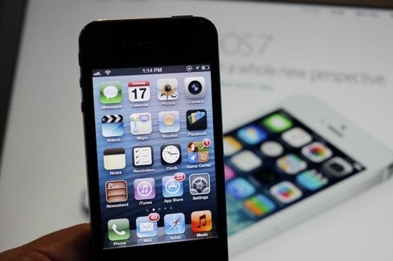 Найден способ откатить iPhone 4s и iPad второго поколения до