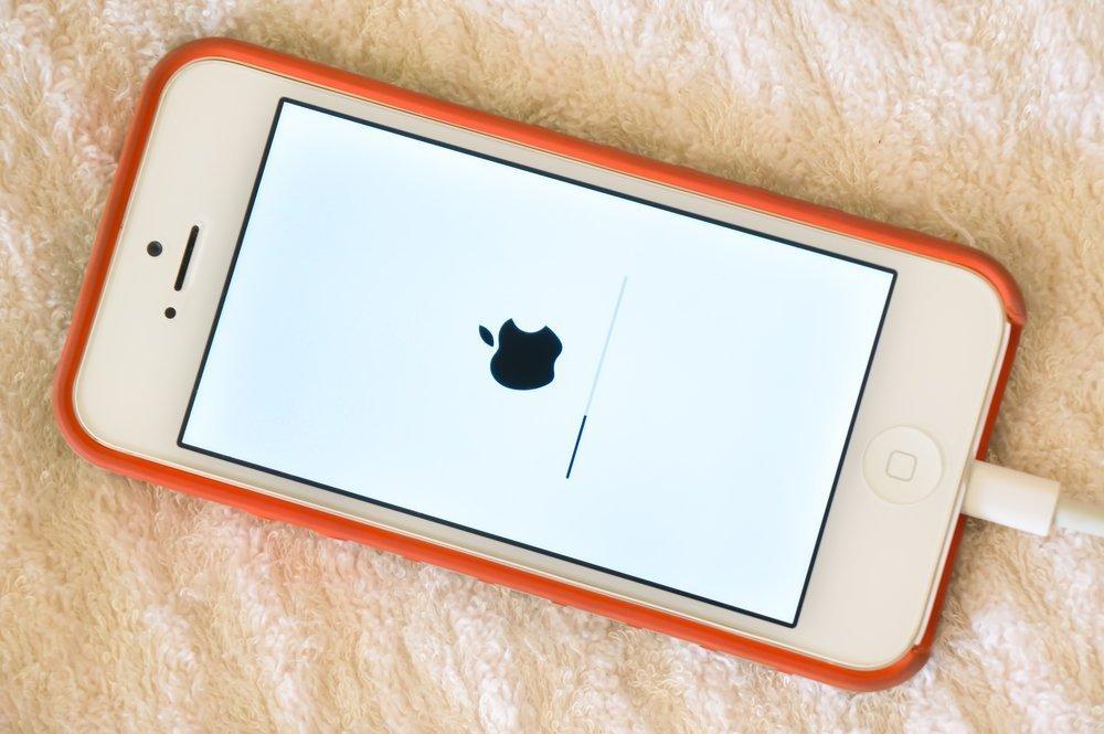 Айфон показывает, что заряжается, но зарядки нет