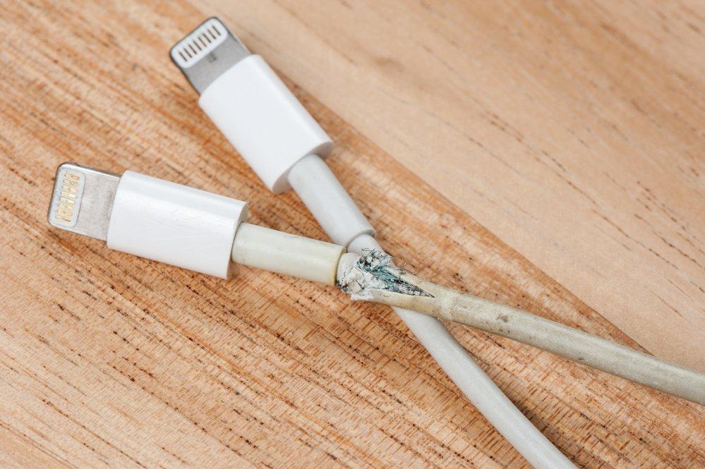Айфон сел и не включается на зарядке