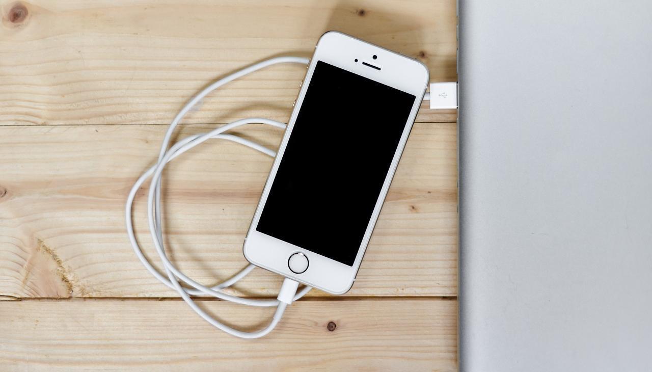 айфон 6 не включается и не реагирует на зарядку