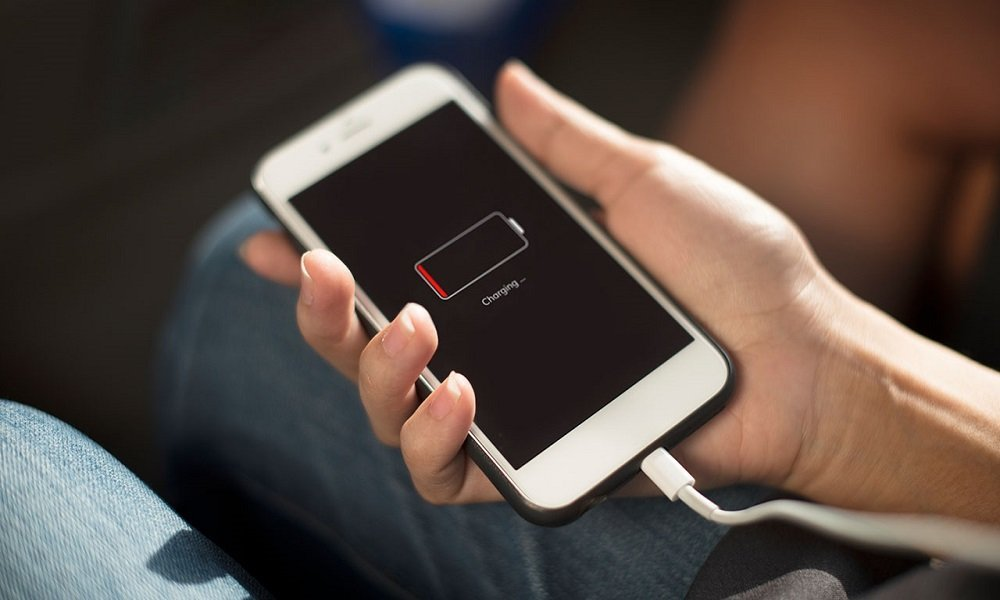 айфон 4 не включается и не реагирует на зарядку